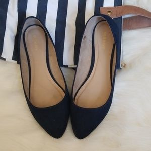 Pointy ballet faux-suade flats